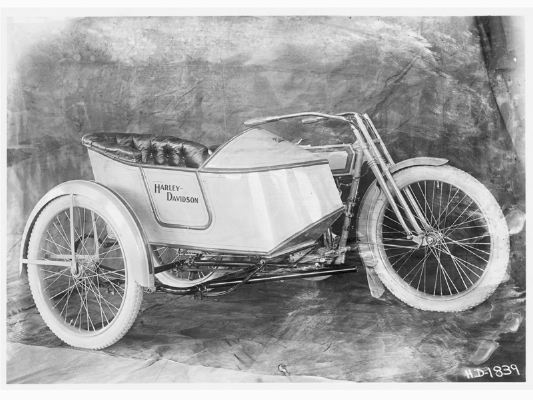 Classic 1914 Harley motorcycle & sidecar